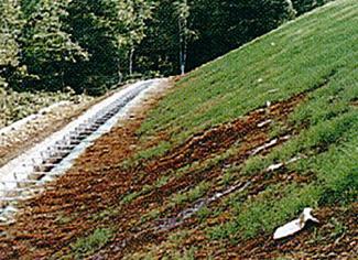 板状排水材 用途 法面排水